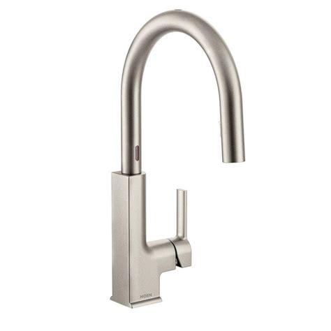 moen woodmere single handle pull sprayer kitchen