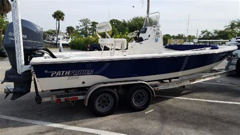 Pathfinder Boats Fort Pierce by 2013 Pathfinder 2200 Trs 22 Foot 2013 Pathfinder Boat In