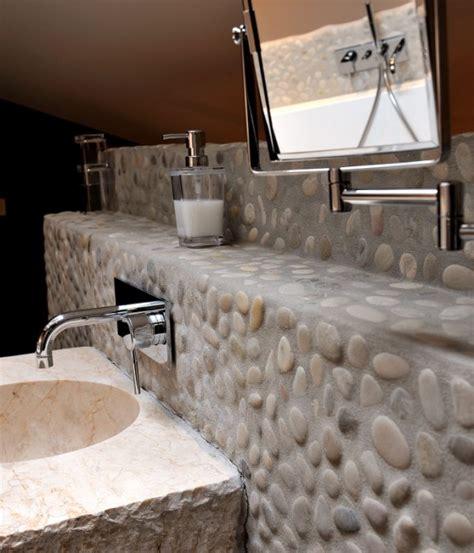 des galets pour une salle de bains visite priv 233 e cotemaison fr