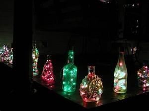 Lichterkette In Flasche : idee f r die outdoor beleuchtung aus alten flaschen und lichterketten diy und selbermachen ~ Markanthonyermac.com Haus und Dekorationen