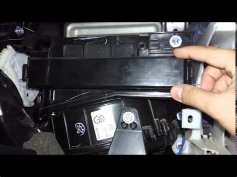 Schouw Filter by Cleaning Air Conditioning Filter Toyota Corolla Youtube