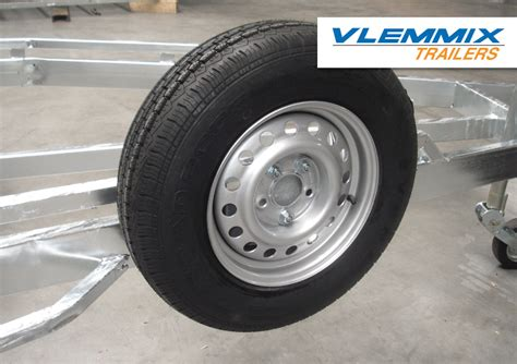 Boot Trailer Wiel by Onmisbare Boottrailer Opties Vlemmixtrailers