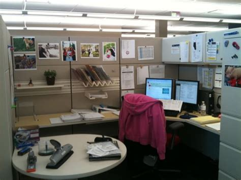 how to decorate your work cubicle interior home design home decorating