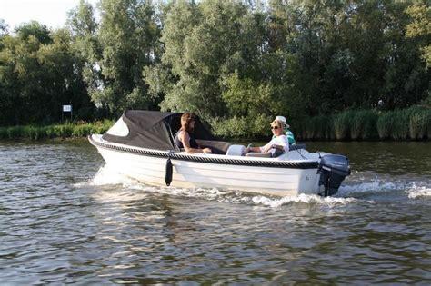 Speedboot Huren Drimmelen by Bij Watersport Botenverhuur Kunt U Een Fantastische Sloep