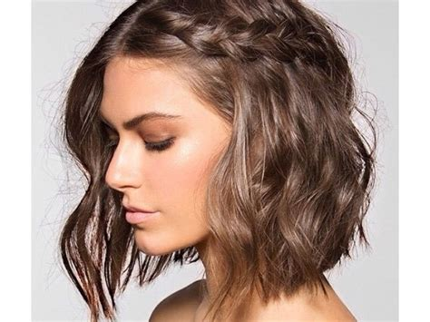 20 Super Stylish (& Easy) Medium-length Haircuts