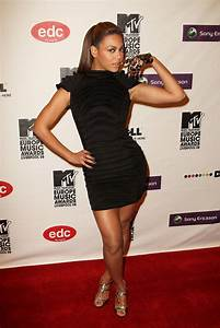 2009 - The Style Evolution of Beyonce Knowles - Livingly