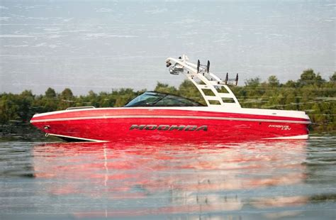 Wake Boat Landing by 1000 Ideas About Moomba Boats On Pinterest Wakeboard