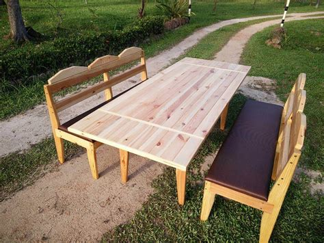 Diy Pallet Outdoor Dining Table Backyard With Pool Anniversary Party Nude Sunbathing Depot Salem Ma Cozy Patios Modern Fence Best Egg Laying Chickens How To Landscape A Sloped