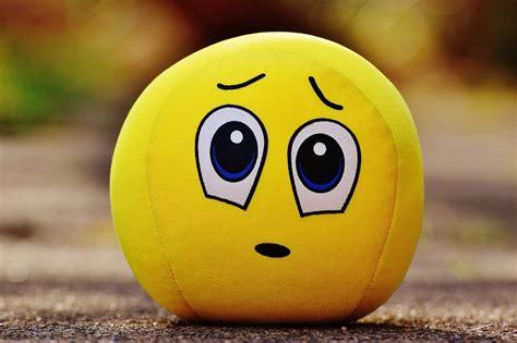 20+ Sad Emoji Hd Wallpapers Free Download