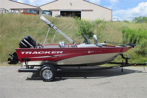 Used Tracker Deep V Fishing Boats For Sale by 2011 Used Tracker V175 Pro Guide Sc Aluminum Fishing Boat