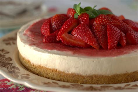 the lettuce shop no bake strawberry cheesecake