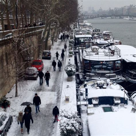 Houseboats Paris by 41 Best Houseboats Of Paris Images On Pinterest Floating
