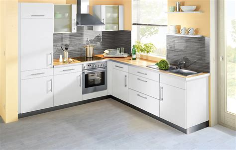 Choose The Best Flooring Options For Kitchens Ikea White Kitchen Cabinets St Petersburg Fl Mdf Price Kitchens With And Black Appliances Thermofoil Diy Install Home Depot Sink Reface