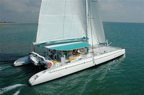 Catamaran Cruise Abu Dhabi by 20 Ways To Experience The Luxury Of Abu Dhabi