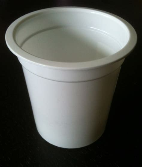 pot en plastique blanc standard 125g pour yaourt