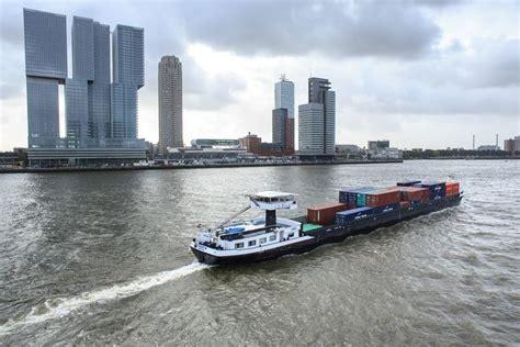 Scheepvaart Binnenvaart by Binnenvaart Haven Van Rotterdam