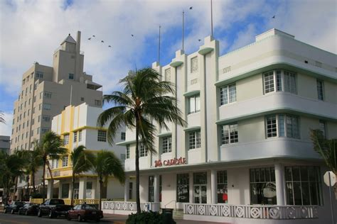 panoramio photo of carlyle and leslie hotels deco architecture miami