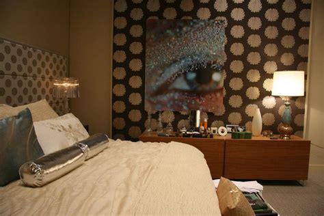 set decoration on gossip by tonkinchristina