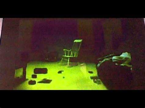 la chaise qui bouge toute seule
