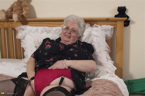 british granny playing with her voluptous body mature