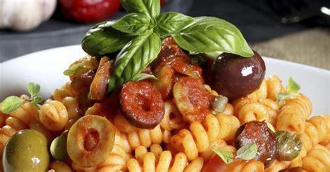 recette de salade de p 226 tes froides aux olives et salami