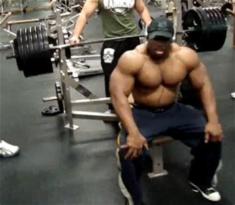 How The Bench Press Can Help Build Your Pecs And Shoulders
