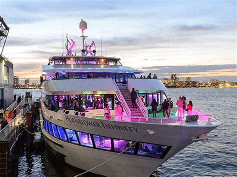 Yacht Rock Boat Cruise by 7 Best Dinner Cruises In Nyc For An Elegant Evening