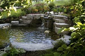 übergang Terrasse Garten : bachlauf im garten teich mit bachlaufanlage bauen ~ Markanthonyermac.com Haus und Dekorationen