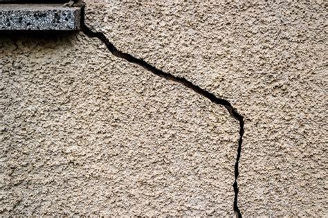 fissure de maison dangers et r 233 paration