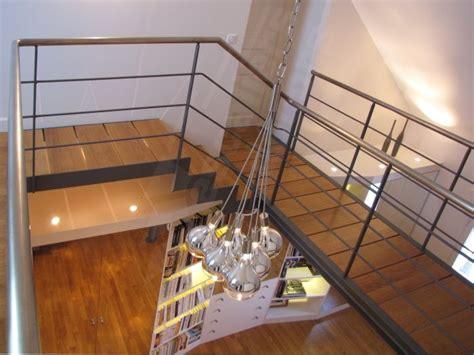 photo dt83 esca droit 174 escalier d int 233 rieur design en m 233 tal et bois pour une d 233 coration