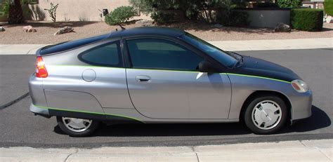 """Selling """"buzz"""", Our 2000 5mt Insight"""