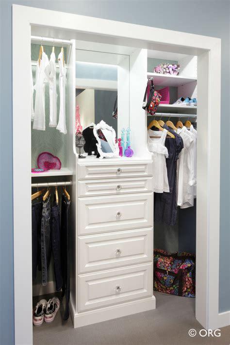 How To Design A Safe Kids Bedroom Closet Organizer