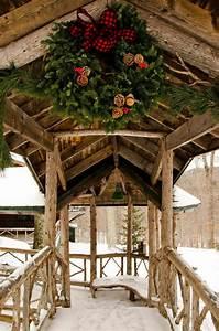 Haus Weihnachtlich Dekorieren : ideen f r weihnachtliche dekoration mit tannenzweigen ~ Markanthonyermac.com Haus und Dekorationen