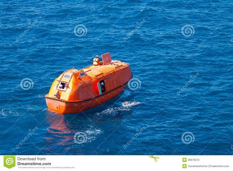 Boat Safety Videos Free lifeboat or rescue boat in offshore safety standard in