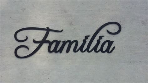 made familia word word for family metal wall