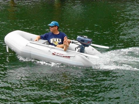 Blow Up Tender Boat by 7 6 Quot Saturn Dinghy Tender Saturn 7 Ft 6 Inches Inflatable