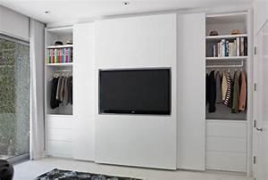 Kleiderschrank Mit Fernsehfach : a designer 39 s closet ~ Markanthonyermac.com Haus und Dekorationen