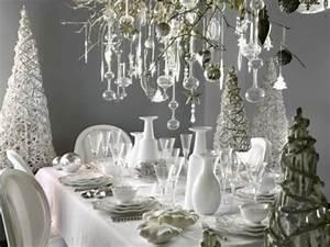 Kronleuchter Mit Kristallen : deko f r winter und weihnachten kronleuchter mit kristallen k nstliche tannen weihnachten ~ Markanthonyermac.com Haus und Dekorationen