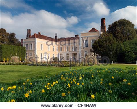 stunning 16th century mansion house in historic elizabethan mansion and grounds in uk stock photo