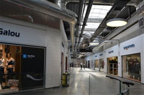 l usine center v 233 lizy villacoublay magasins d usine