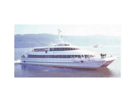 Catamaran Luxury Ferry by Catamaran Luxury Ferry En Canad 225 Barcos A Motor De