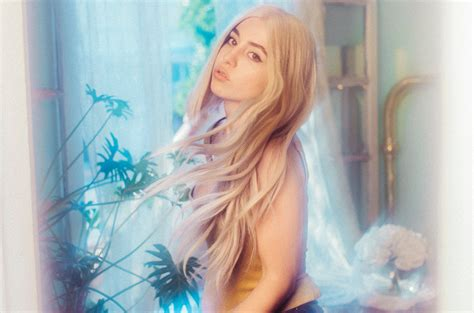 Ava Max's 'sweet But Psycho' Becomes Final U.k. No. 1 Of