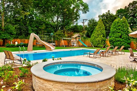 Garden Pool : Hot Tub Landscaping For The Beginner On A Budget