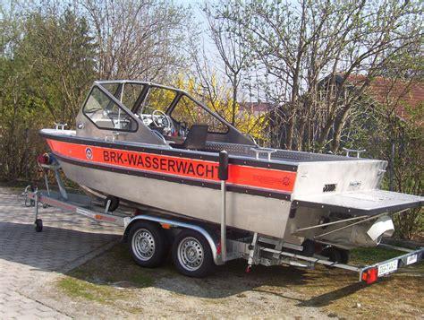 Motorboot Mit Jetantrieb by Motorrettungsboot