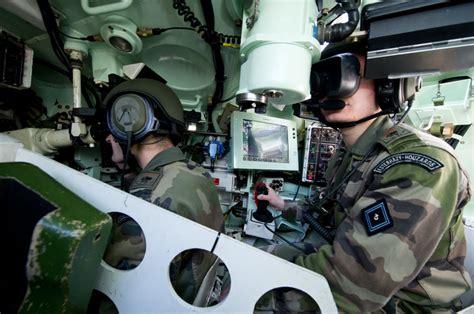 les soldats 224 l entra 238 nement au c militaire de canjuers 83 vue int 233 rieure d un amx 10 rc