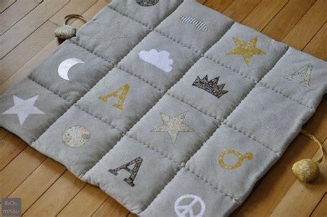 1000 id 233 es sur le th 232 me tapis d eveil sur tapis d 233 veil doudou et cartable enfant