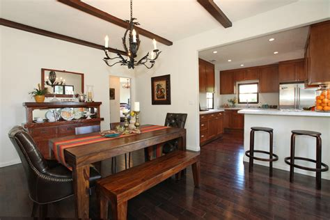 Spanish Bungalow Interior Is Very Simple! — Bungalow House