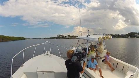 Boat Driving Youtube by Boat Photography Photo Camera Boat Driving Behind The