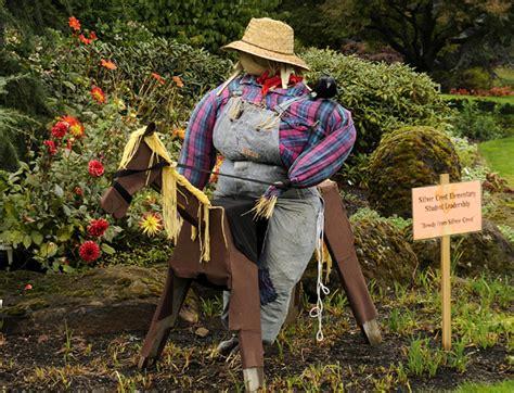 Diy Scarecrow For Garden make your garden scarecrow outdoortheme