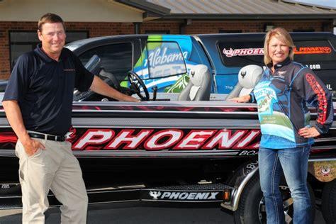 Phoenix Bass Boat Vs Legend by Phoenix Boats Official Boat Of Alabama Bass Trail